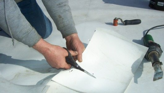 Flat roof repair tips constru gu a al d a - Reparar filtraciones de agua ...