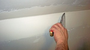 Allow the first coat of compound to dry, sand and apply a second coat.