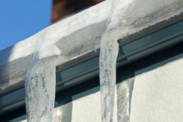 How to minimize the impact of ice dams