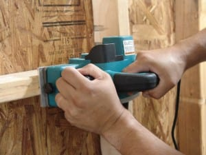 How to use a portable power planer