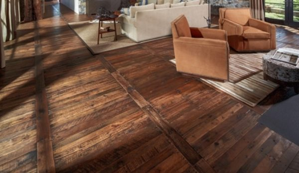 How to install rustic wood flooring pro construction guide for Pisos rusticos