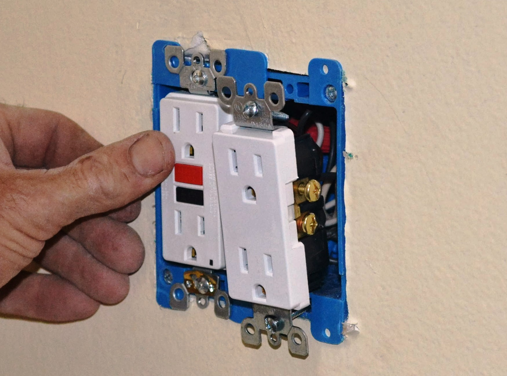 Wiring An Outlet With 4 Wires