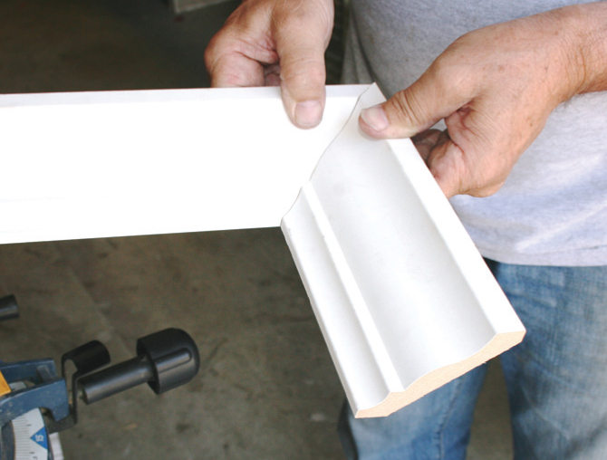 How to cut crown molding pro construction guide