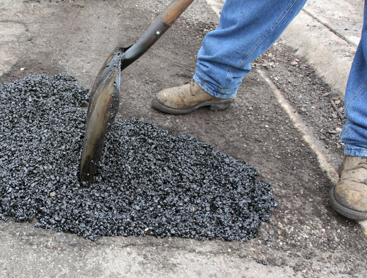 Working safely with hot asphalt and asphalt fumes