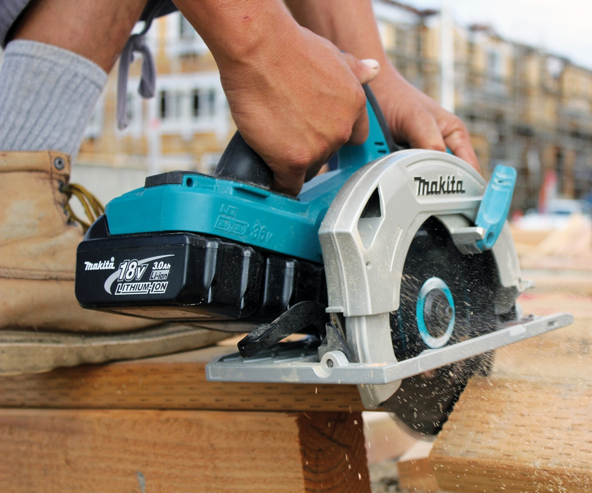 Makita Cordless Circular Saw For Faster Cutting Pro