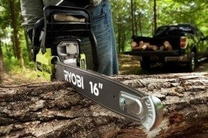 Power tool safety tips for chainsaws