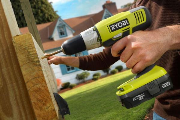Power tool safety tips for drills - Ryobi