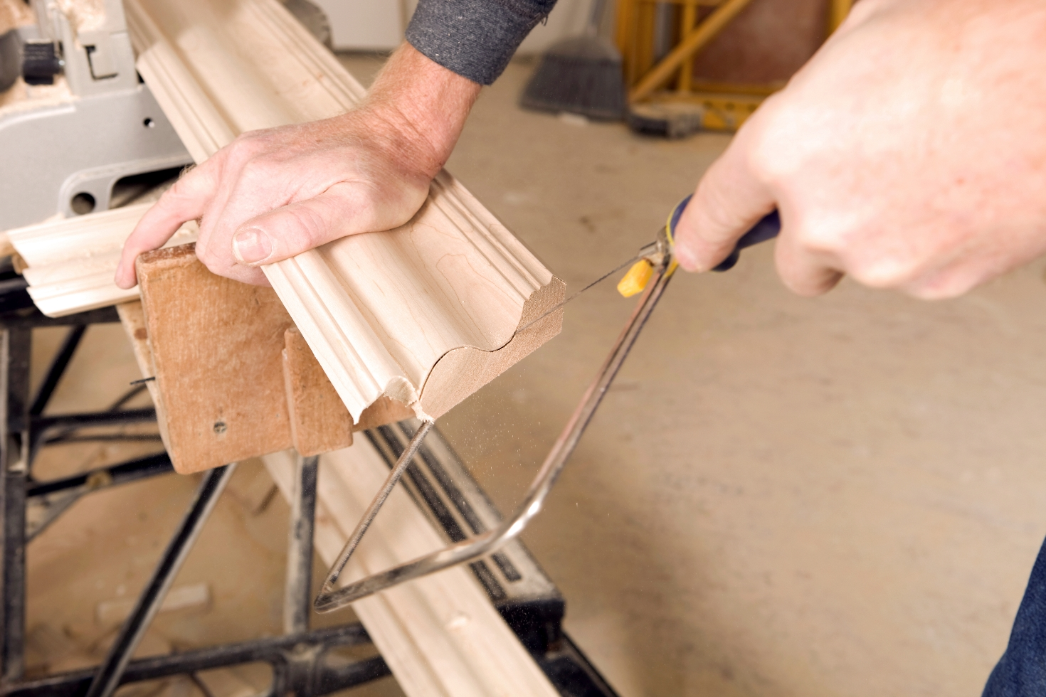 Watch How to Cut Crown Molding Inside Corners video