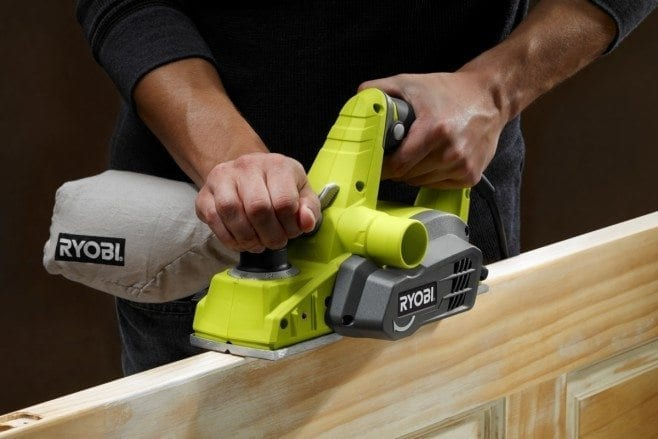 How to use a cordless hand planer